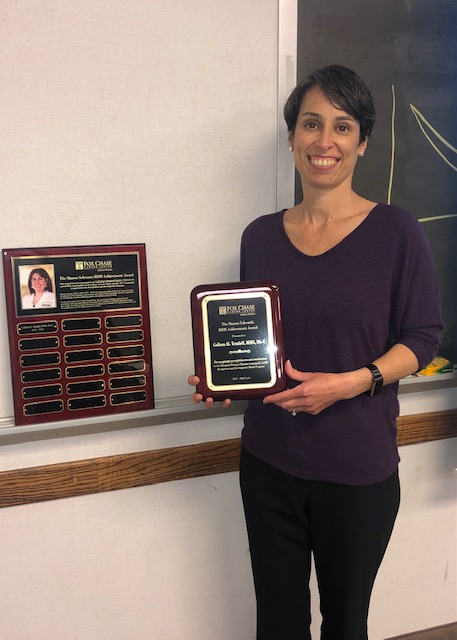 Colleen H. Tetzlaff, advanced practice clinician in the Department of Hematology/Oncology at Fox Chase, receiving the Sharon Schwartz Award