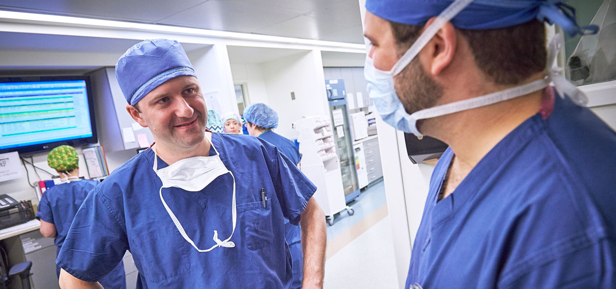 As attending surgeon of urologic oncology, Alexander Kutikov's extensive expertise in treating adrenal masses with a focus on minimally-invasive surgery allows him, and his colleagues, to offer more treatment options to patients with adrenal tumors.